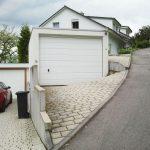 Garageneinfahrt für Geländewagen